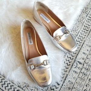 2/$20 Steve Madden Silver Metallic Loafers Pawly